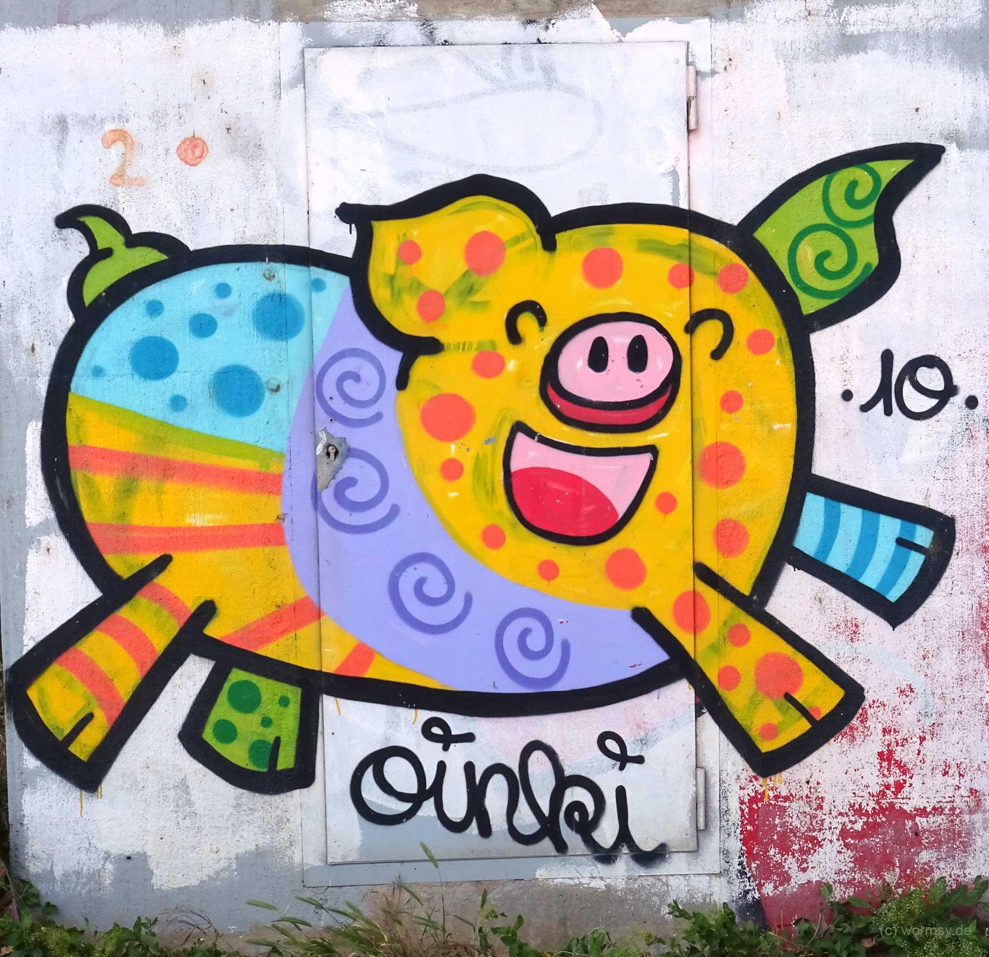 Graffiti unter der Talbrücke Worms-Pfeddersheim - Oinki