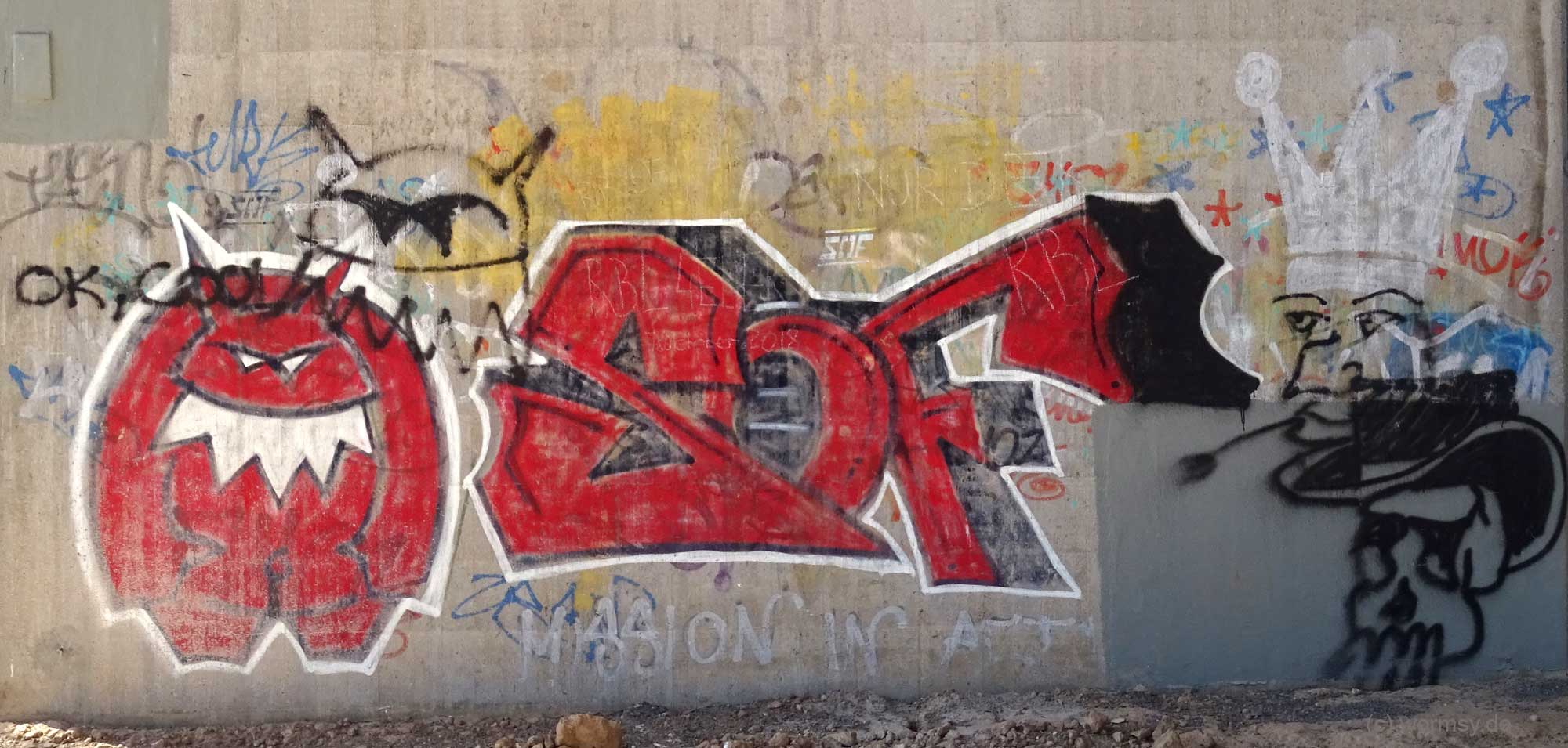 Graffiti unter der Talbrücke Worms-Pfeddersheim - SOF