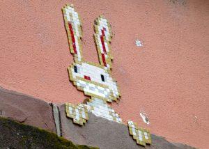 Pixel Art-Hase am Heylshof Worms